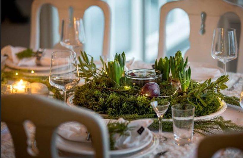 Bordsdekoration med hyacinter